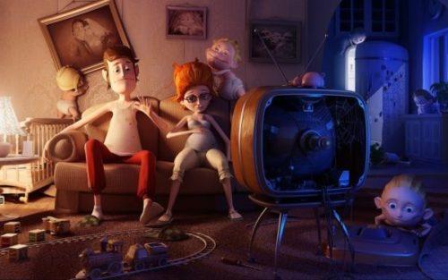 Семья дома собралась у телевизора