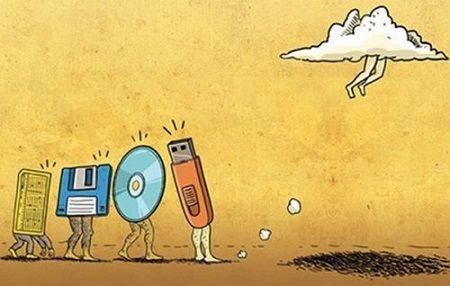 За 30 лет на наших глазах произошел скачек носителей информации. Они становятся все миниатюрнее, скоро будет нечего подержать в руках.