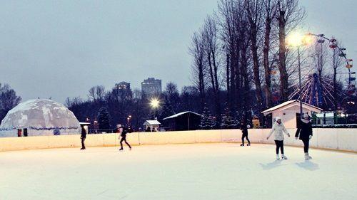 Каток с искусственным охлаждением в Гагарин парке