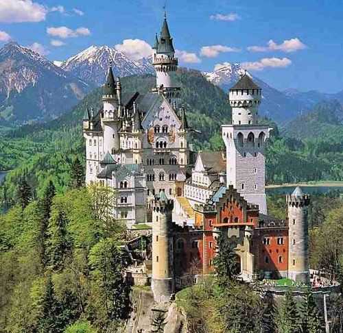 Замки расположены в живописных местах, аж дух захватавает
