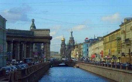 Вид на Казанский Собор и Спас-на-Крови с канала Грибоедова - наши дни
