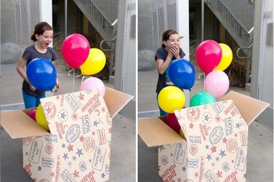 Большая коробка для именинника с шарами и подарком точно удивит